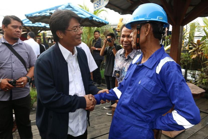 Direktur Utama Pertamina Elia Massa Manik bertemu masyarakat terdampak musibah Teluk Balikapapan.