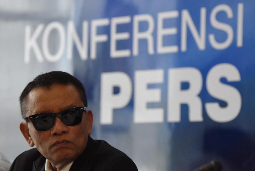 Dirjen Pajak Ken Dwijugiasteadi memberikan keterangan menjelang berakhirnya periode tax amnesty di Jakarta, Senin (13/2).