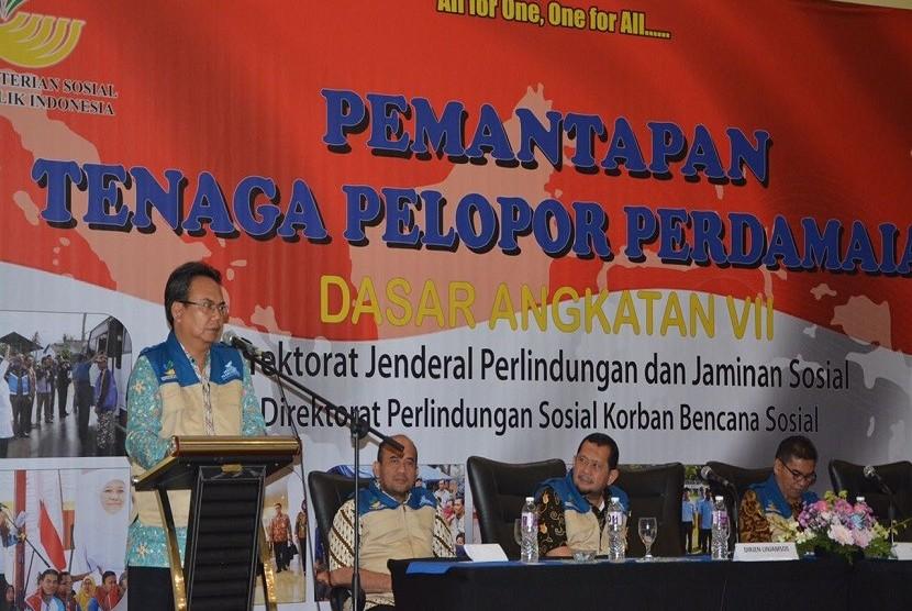 Dirjen Perlindungan dan Jaminan Sosial Kemensos, Harry Hikmat saat memberikan pembekalan kepada 200 peserta pemantapan Perdamai di Jakarta, Rabu (20/9).