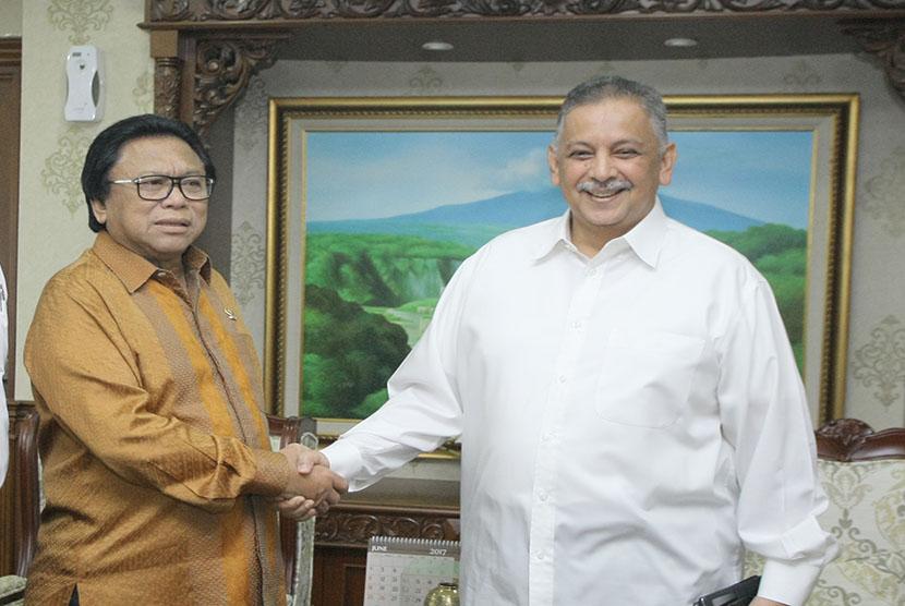 Dirut PLN, Sofyan Basyir  dan Ketua DPD RI, Oesman Sapta Odang