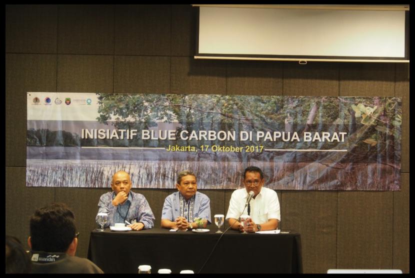 Diskusi media tentang blue carbon, Selasa (17/10).