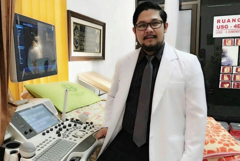 Dokter Spesialis Obstetri dan Ginekologi dr  Rinto Riantori, SpOG