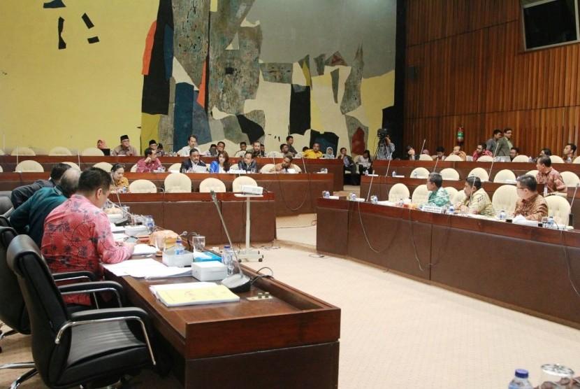 DPD, DPR dan Pemerintah bahas RPP Penataan daerah, di Kompleks Parlemen Senayan, Jakarta, Jumat (26/2)
