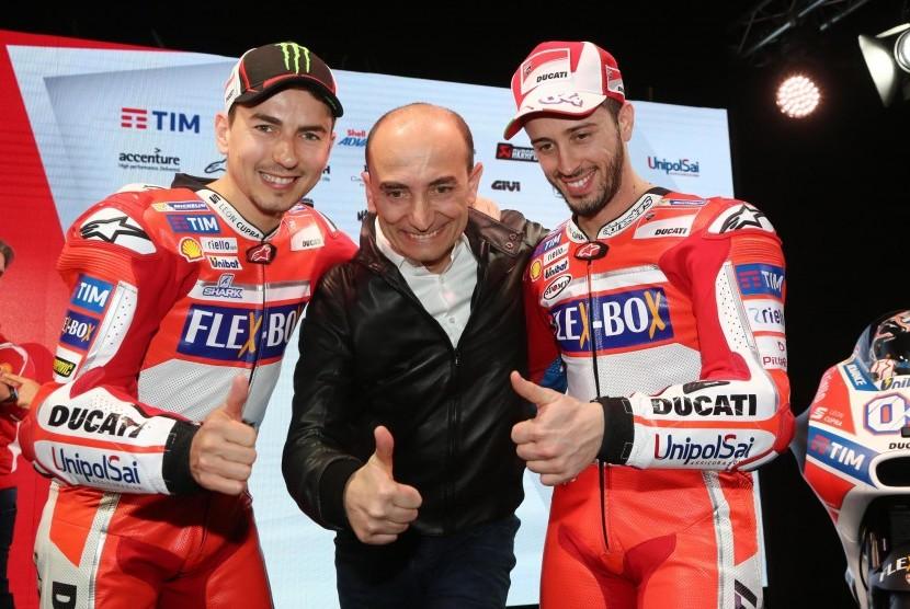 Dua pembalap Ducati, Jorge Lorenzo (kiri) dan Andrea Dovizioso (kanan).