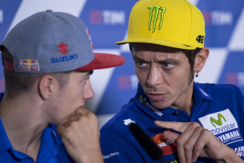 Dua pembalap MotoGP, Maverick Vinales (kiri) dan Valentino Rossi (kanan).
