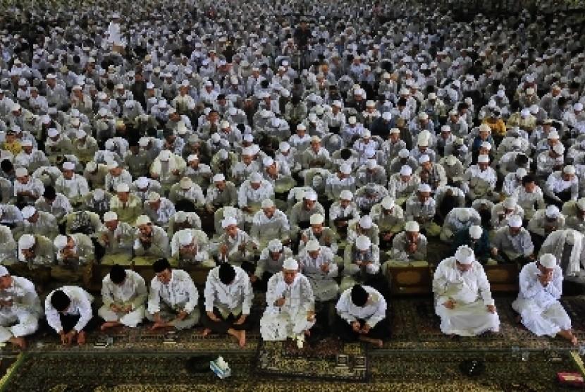 Dzikir Nasional Republika di Masjid At-Tin, Jakarta.
