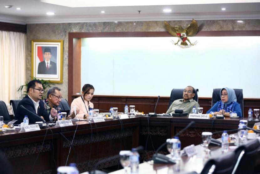 Executive brief yang diadakan oleh Dewan Perwakilan Daerah (DPD) RI bersama Komnas Ham, aktivis UNHCR, dan akademisi Universitas Indonesia, di Komplek Senayan Jakarta, Senin (11/9).