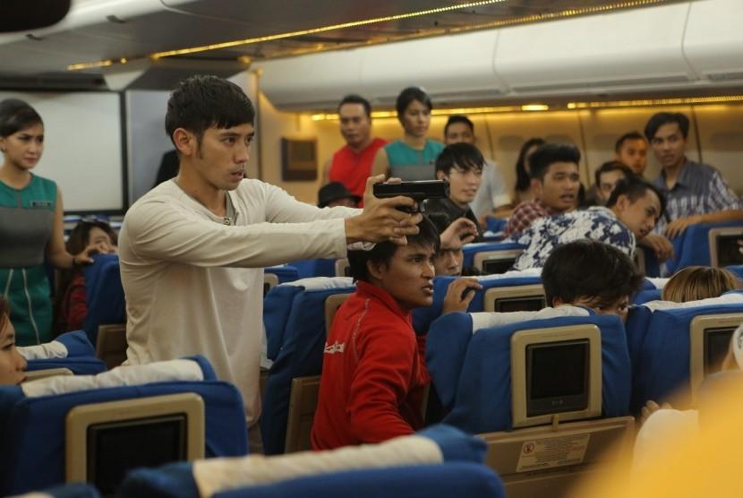 Tarra Budiman Sebut FLIGHT 555 Miliki Komedi yang Berbeda