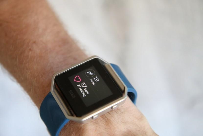 Pelacak Fitbit Bisa Bantu Tingkatkan Kesehatan