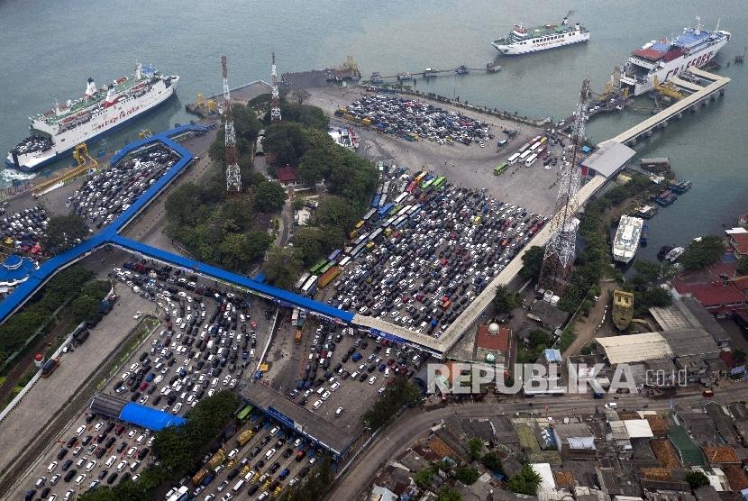 348 Ribu Orang Menyeberang dari Pelabuhan Merak
