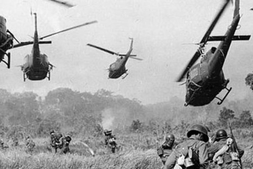 Foto hitam putih Perang Vietnam (Ilustrasi)