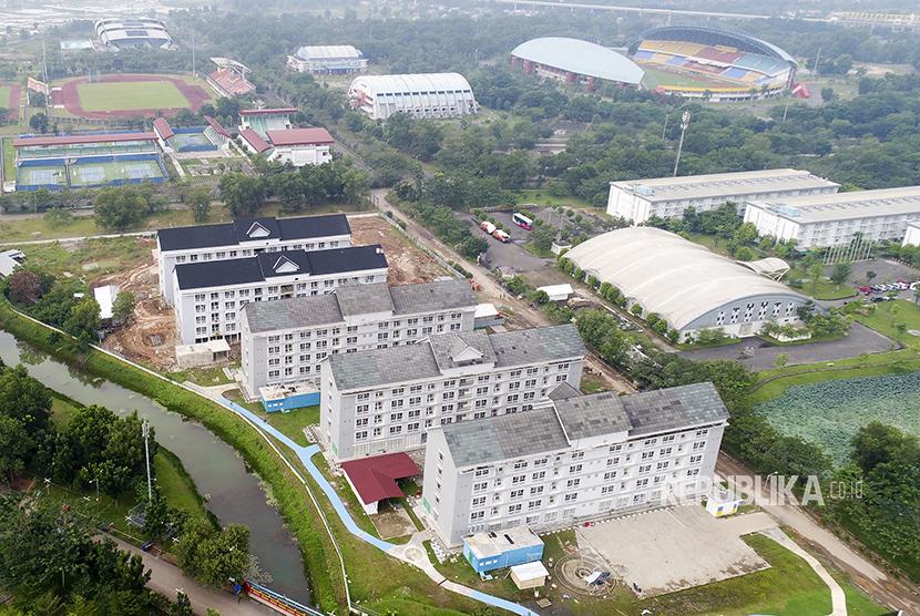 Foto udara pembangunan Wisma Atlet di Jakabaring Sport City (JSC), Palembang, Sumatra Selatan.