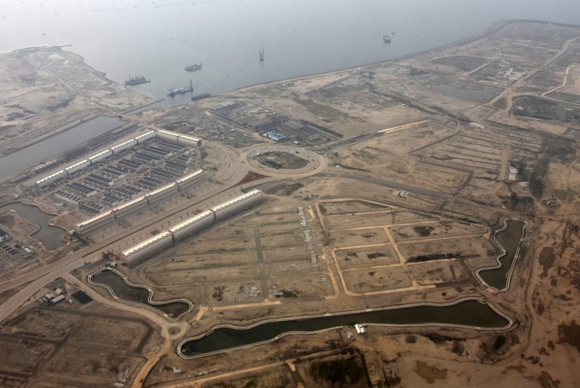 Aerial view of Jakarta bay reclamation project, Thursday (May 11).