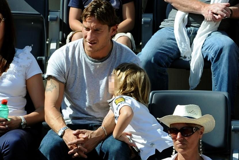 Francesco Totti dan putranya, Christian Totti.