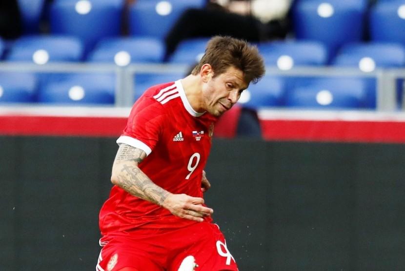Fyodor Smolov, pencetak gol Rusia ke gawang Selandia Baru pada laga Piala Konfederasi 2017.