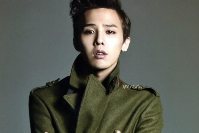 Permalink to Album G-Dragon Dua Minggu di Puncak Billboard