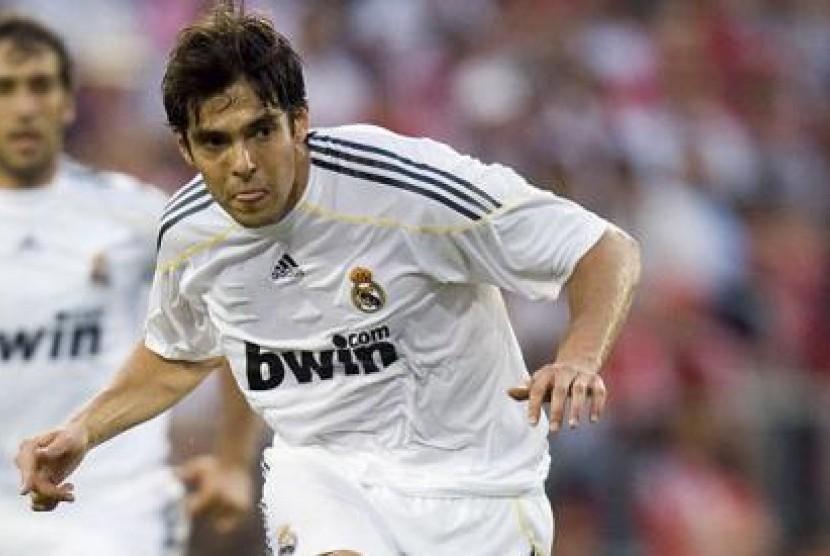 Gaji Kaka di Real Madrid terlalu besar.