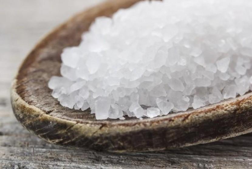 6 Efek Samping Diet Garam bagi Kesehatan Tubuh