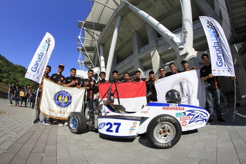 Garuda UNY Racing Team (GURT) perwakilan dari Universitas Negeri Yogyakarta telah menampilkan performa maksimal pada ajang mobil balap bergengsi di Jepang, Student Formula Japan.