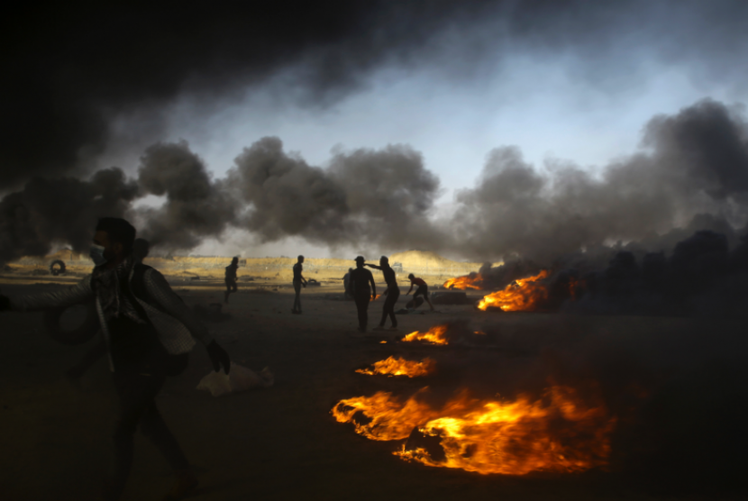 Gaza setelah mendapat serangan dari pesawat-pesawat Israel, Kamis (17/5).