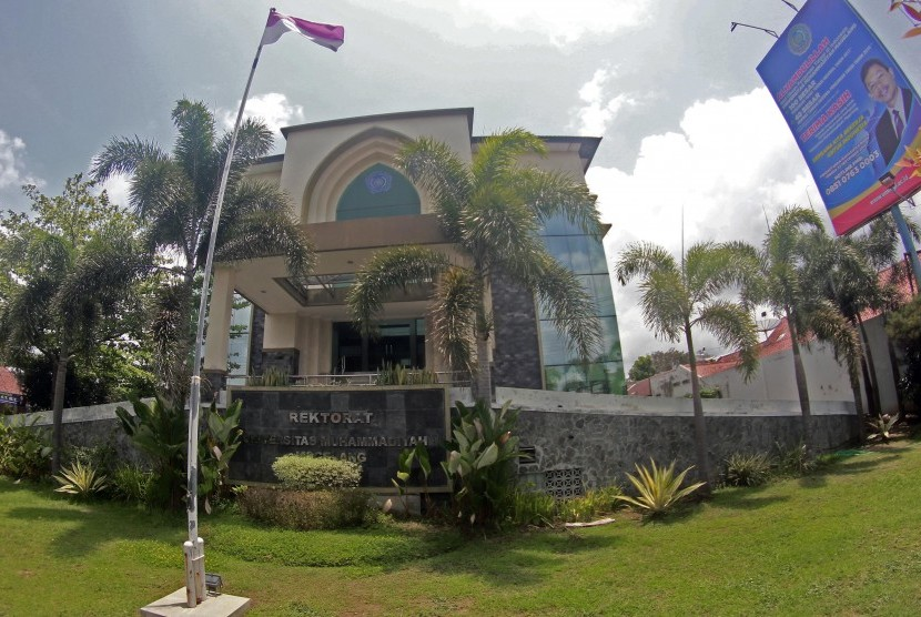 Gedung rektorat UMM.