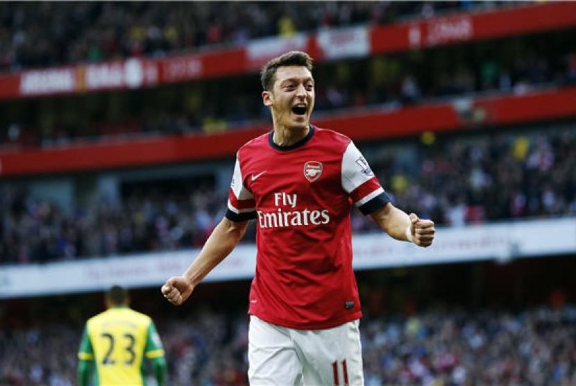 Gelandang Arsenal, Mesut Ozil