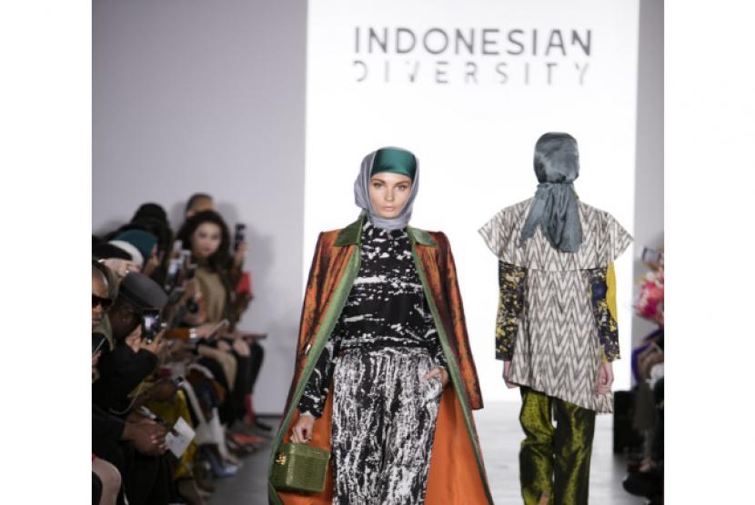 Geliat industri syariah di bidang fesyen.