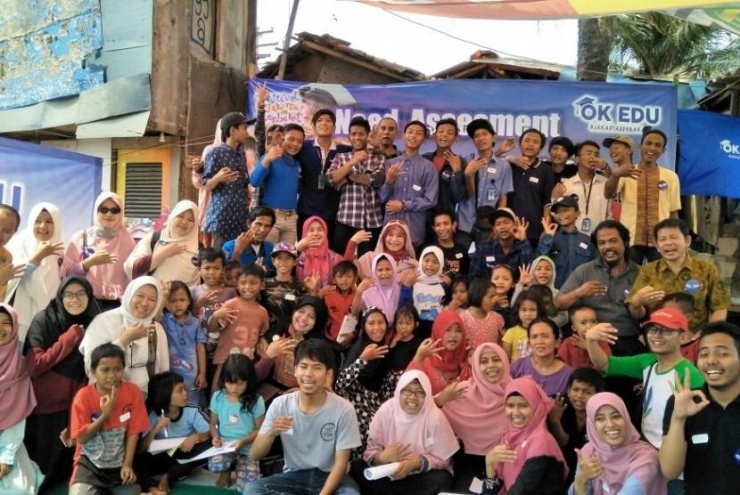 Gerakan Oke Edu melakukan need assesment bagi warga di Kebon Bayam, Jakarta Utara, Kamis (31/8).
