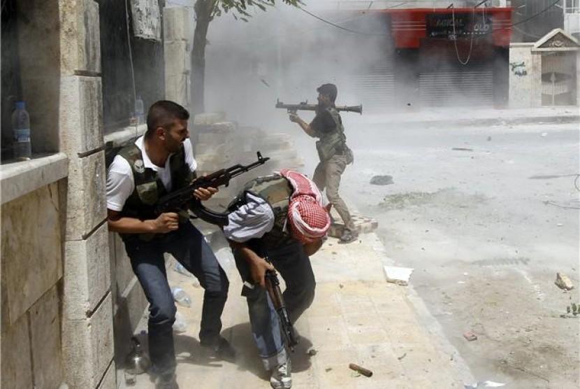 Suriah Serang Kamp Gerilyawan di Idlib, 25 Tewas