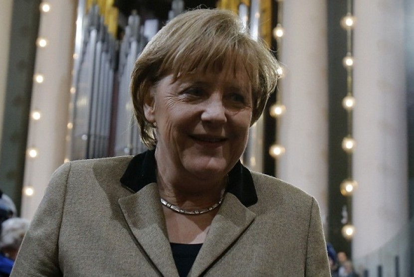 chancellor muslim Berlin — german chancellor angela merkel, who last year opened the door to nearly 1 million mostly muslim migrants, staked out a tough new stance on conservative islam on tuesday by making her first direct call for a widespread.