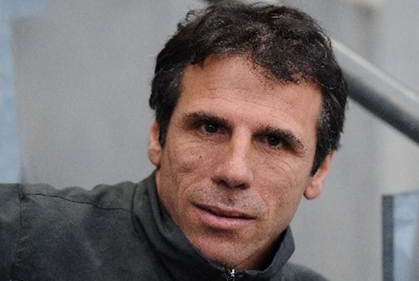Zola akan Diduetkan dengan Conte di Chelsea