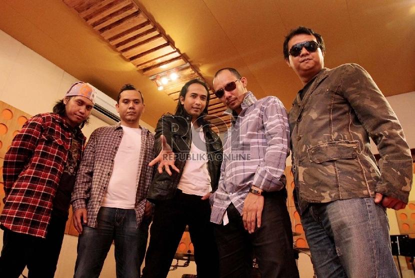 Padi Reborn Gelar Konser di Surabaya Februari