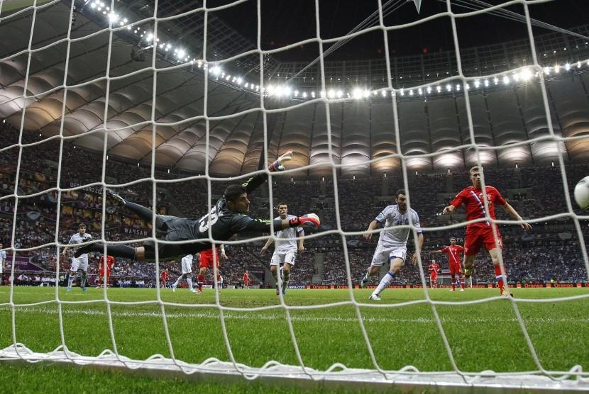 Gol Giorgos Karagounis hempaskan Rusia dari Piala Eropa 2012