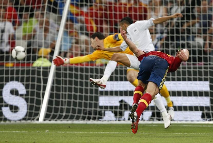 Gol pertama Xabi Alonso ke Gawang Prancis
