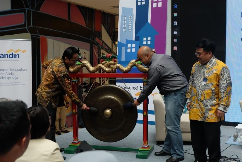 Gong pembukaan Mandiri Festival Properti Indonesia