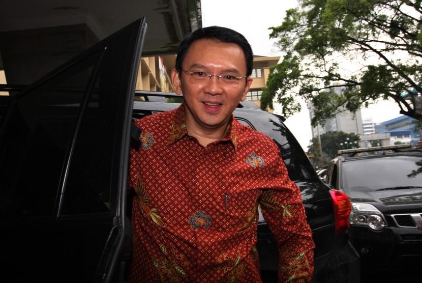 Basuki Tjahaja Purnama memilih jalur Independen berpasangan dengan Heru Budi Hartono dalam Pilkada DKI Jakarta 2017