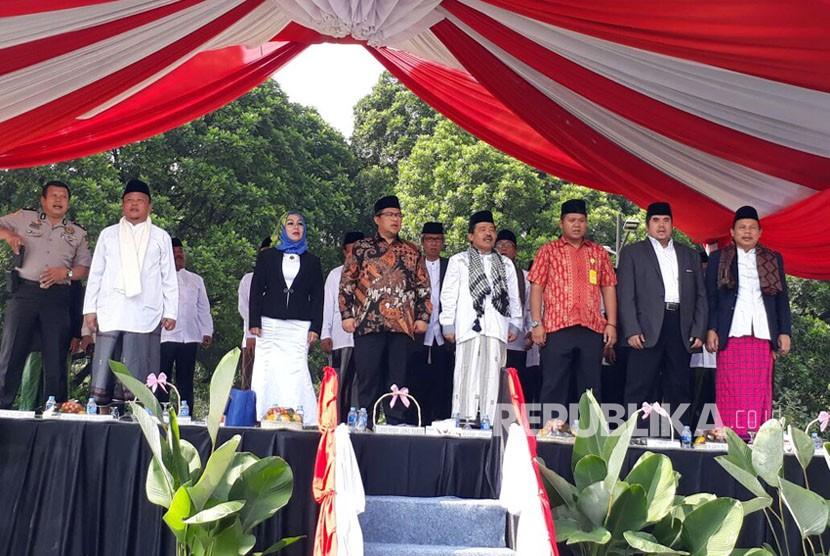 Gubernur Jabar Ahmad Heryawan (Aher) menghadiri Peringatan Hari Santri Nasional Tingkat Jabar di Alun-Alun Bandung, Kamis (26/10).