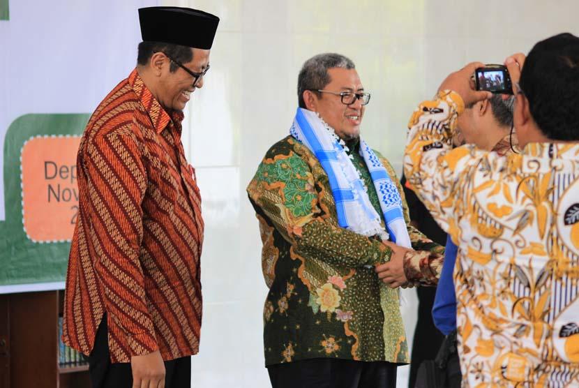 Ahmad Heryawan Gubernur Religius dan Berprestasi ...