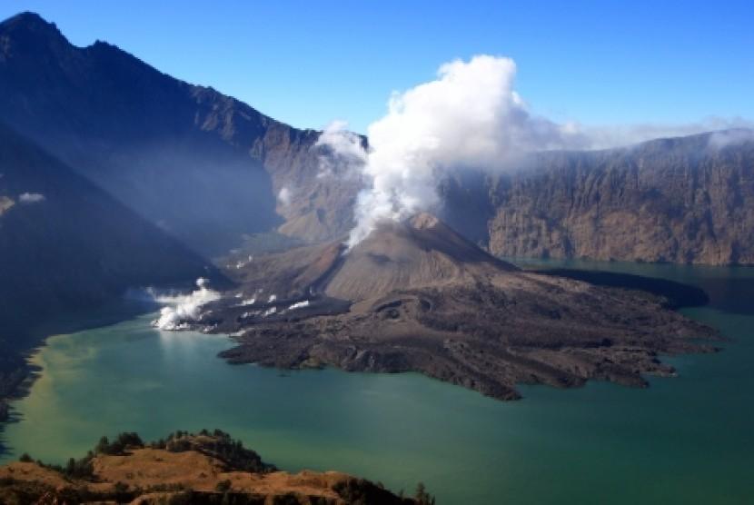 Gunung api di Lombok