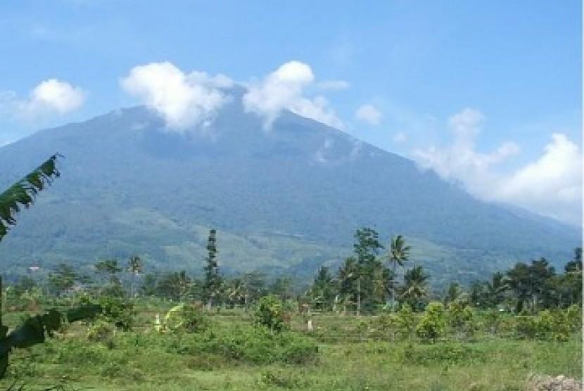 Kebakaran Gunung Ciremai Berhasil Dipadamkan