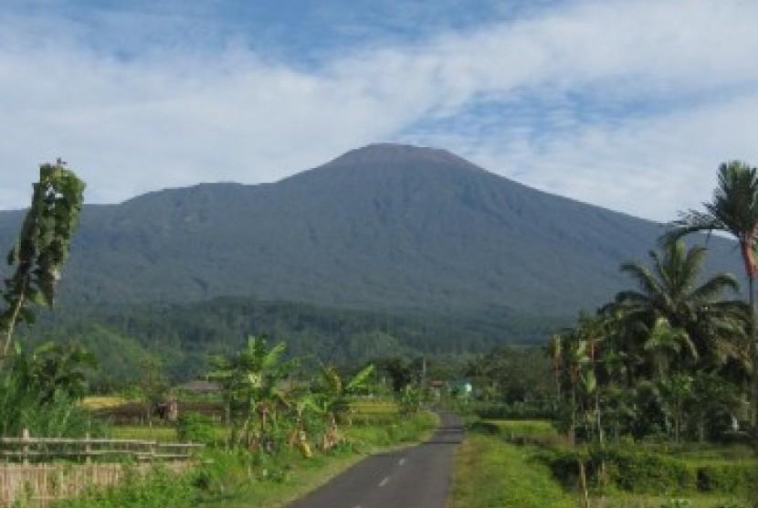 Gunung Selamet
