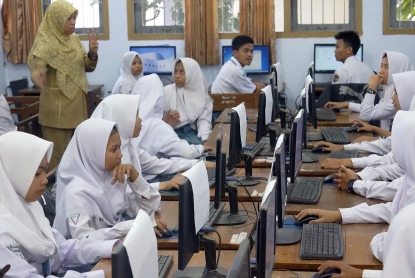 Belum Semua Siswa SMP di Indramayu Melanjutkan Pendidikan