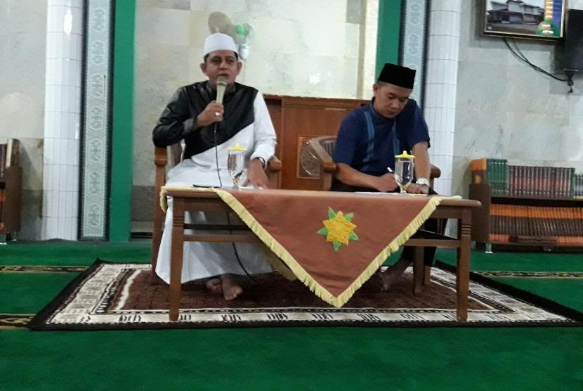 Habib Abdurrahman Al-Habsy (kiri).
