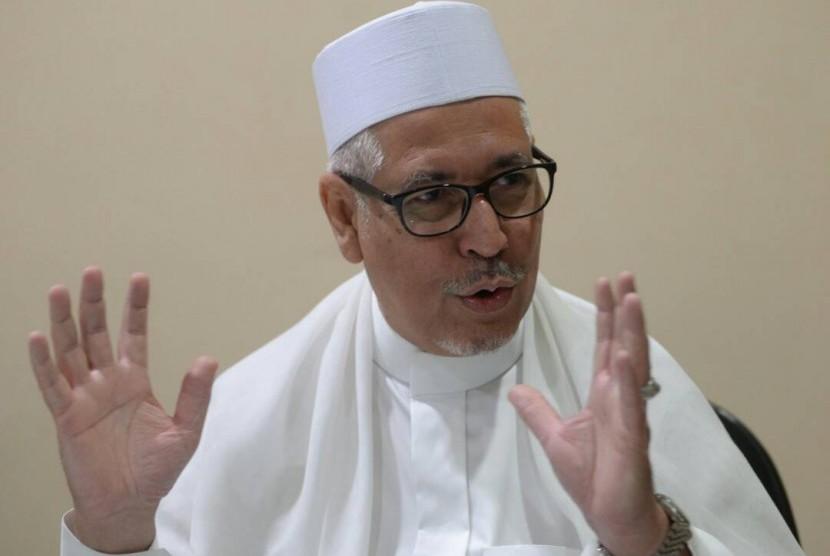 Habib Zen bin Smith.