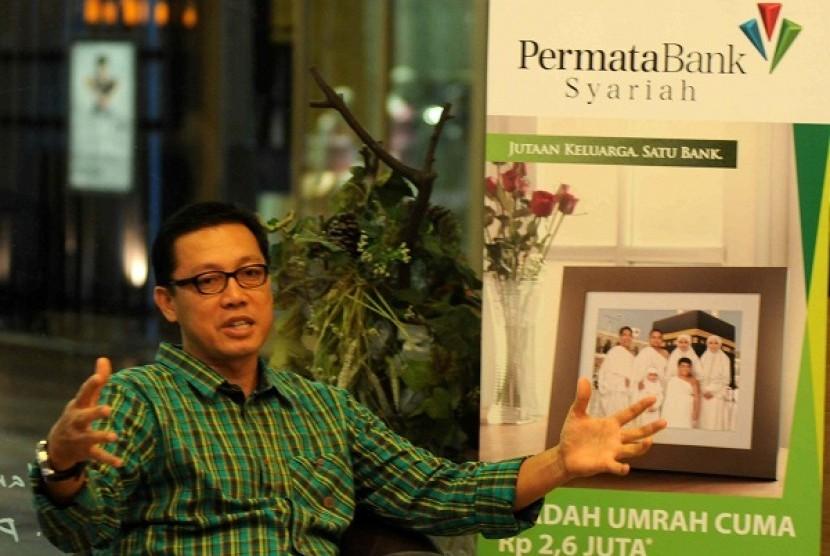 Achmad Kusna Permana ditunjuk sebagai Direktur Utama baru Bank Muamalat menggantikan Endy P. R Abdurrahman.