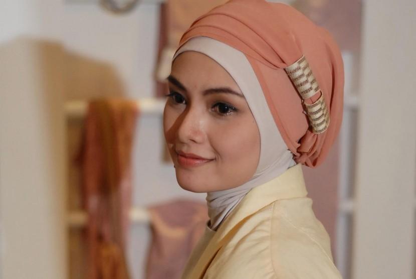 Jokowi Ingin Muslim Indonesia Garap Industri Hijab