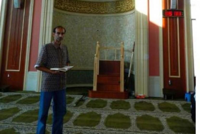 Himy Syed, Muslim Kanada yang bersepeda selama Ramadhan ke masjid di pelosok Toronto.
