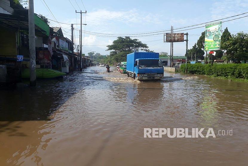 Hujan Deras, Tiga Kecamatan di Kabupaten Bandung Terendam