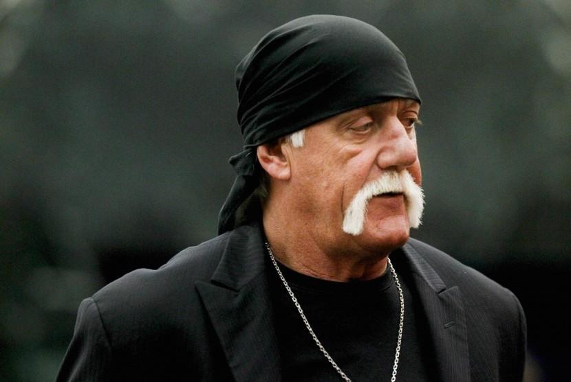 Dirayu ke Politik, Hulk Hogan Lebih Pilih Santai di Pantai