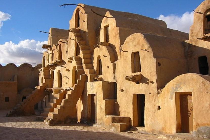 Hunian bawah tanah di Lembah Djebel Dahar, Tunisia.